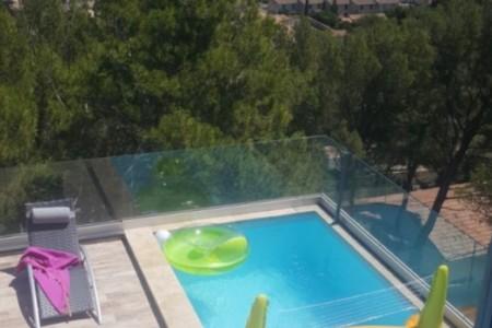 Villa californienne avec piscine suspendue