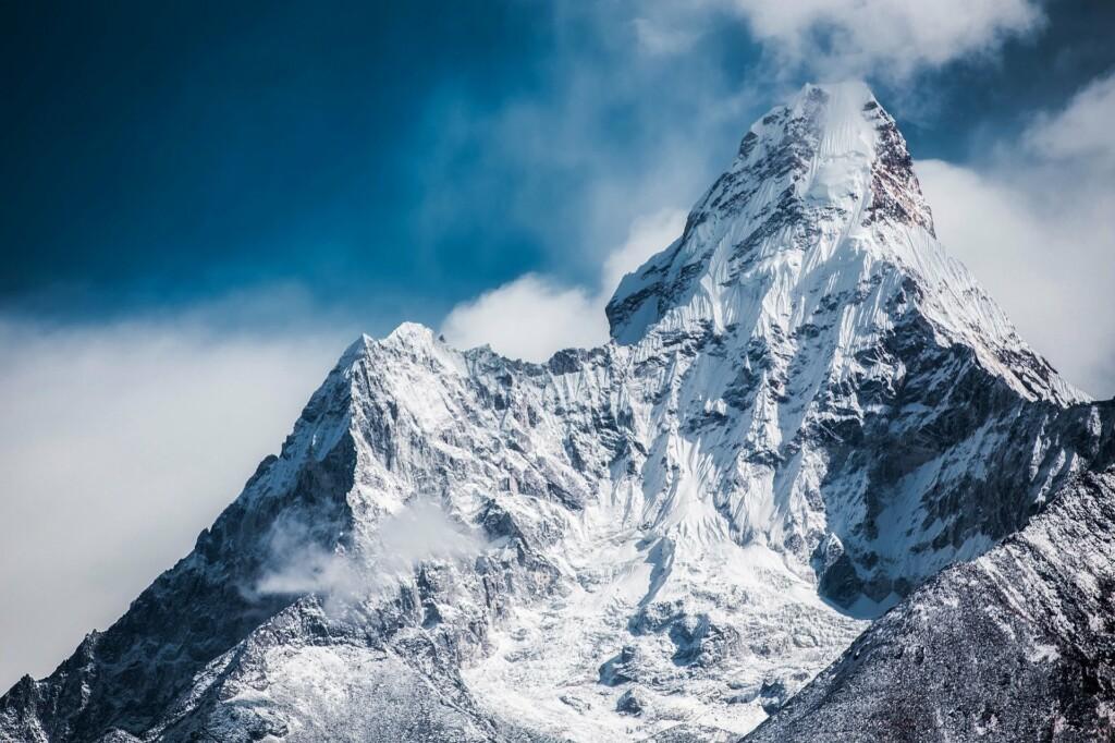 montagnes-activites-touristiques